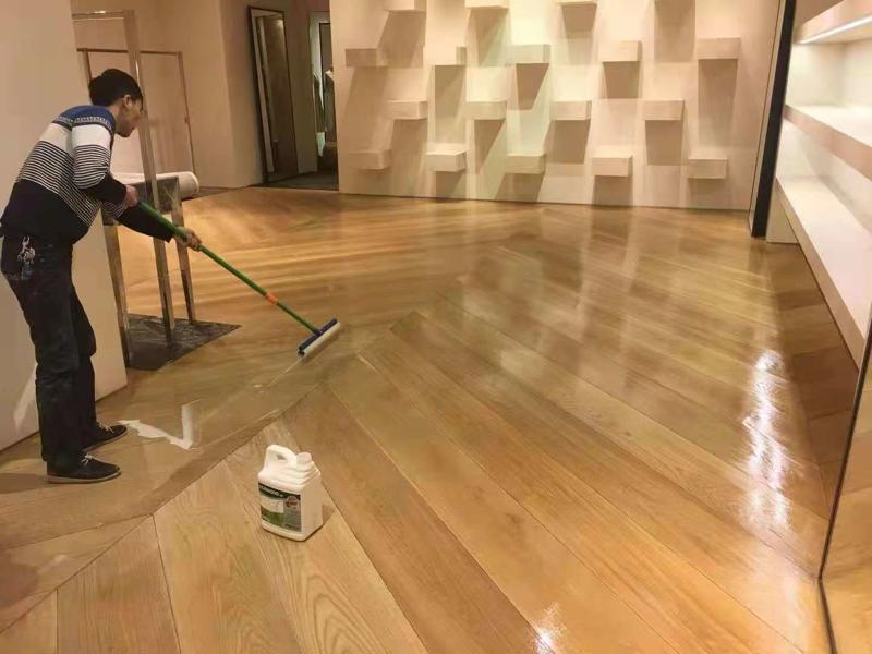 Dior地板翻新保养