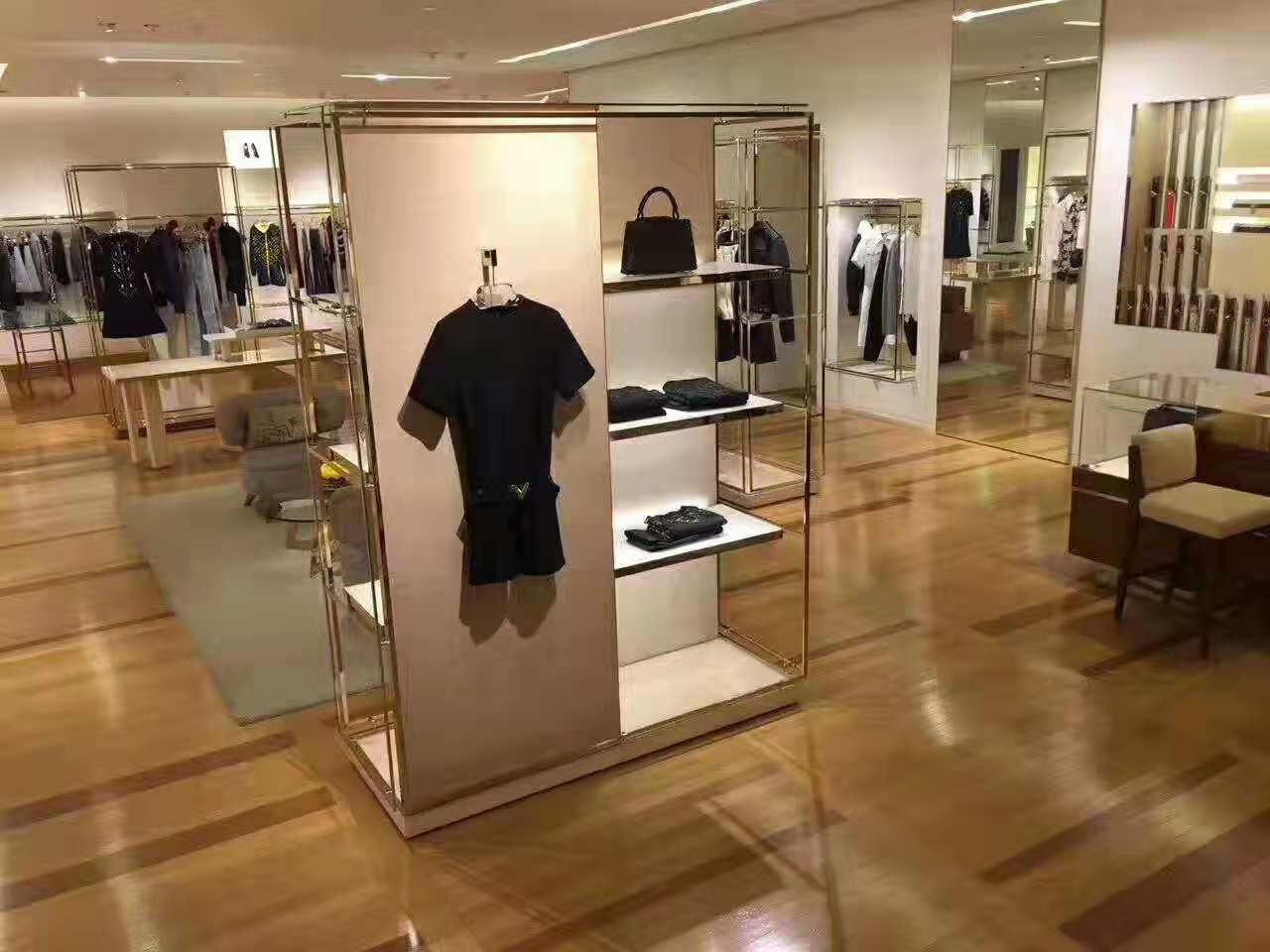 Dior店铺地板上漆保养
