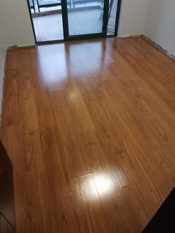 强化复合地板抛光打蜡