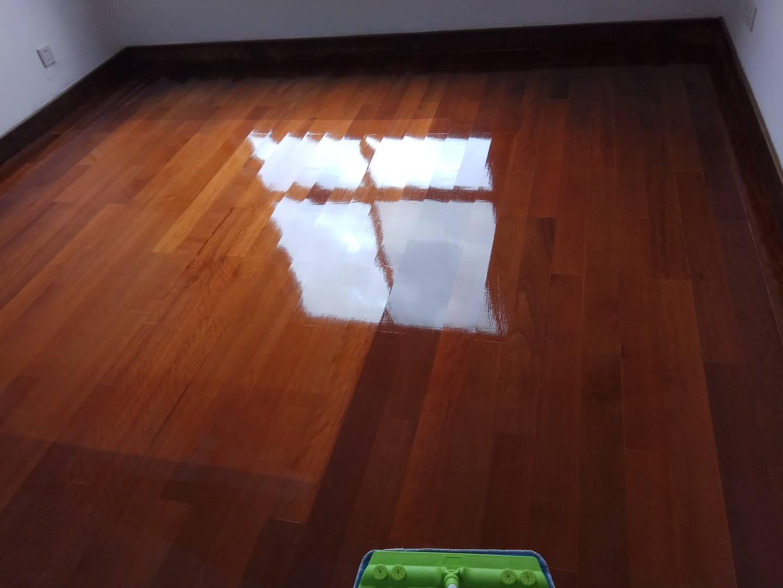 实木地板抛光效果