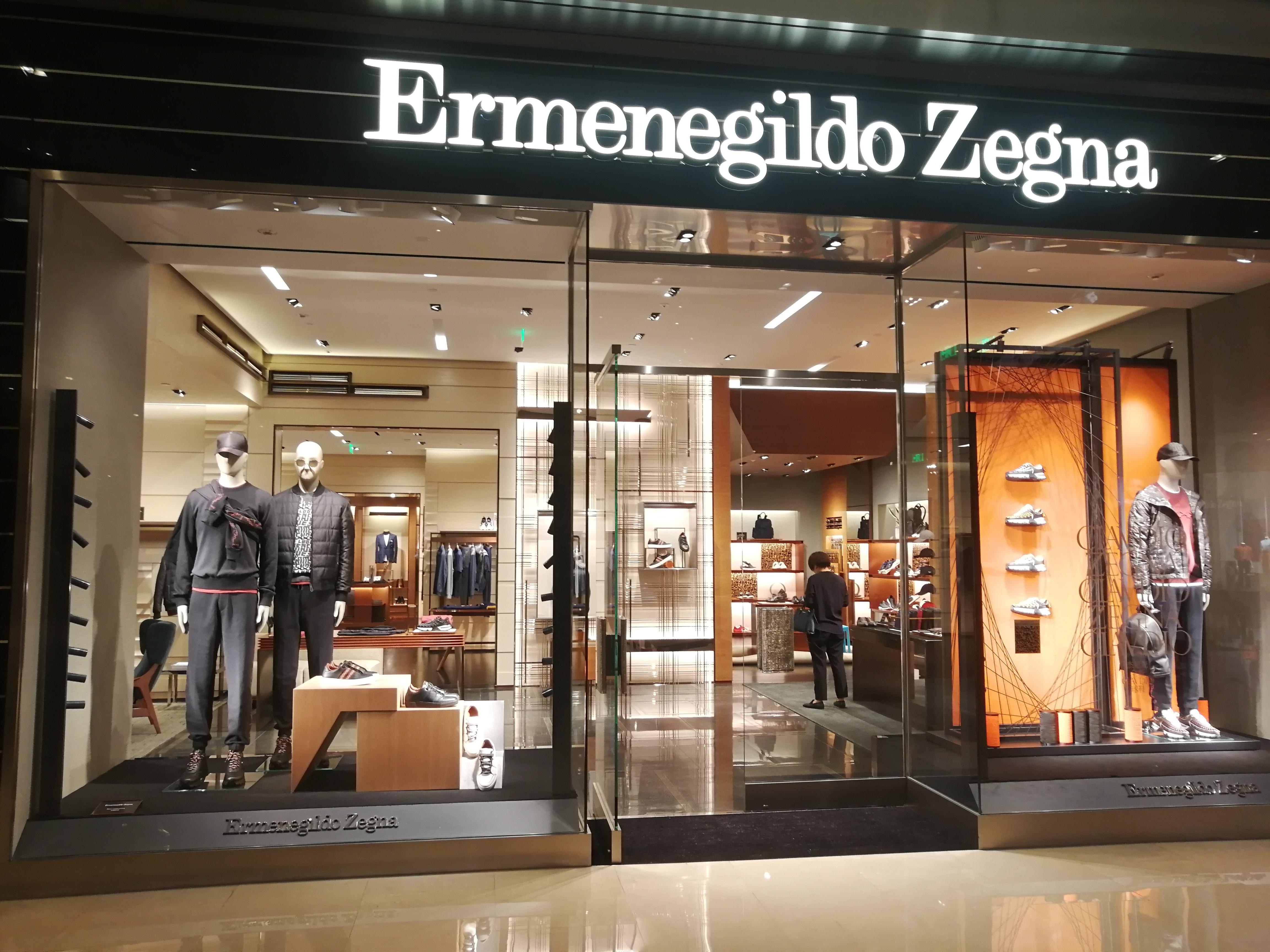Zegna杰尼亚国际男装商铺木地板修复保养